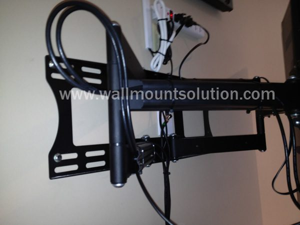 """Articulating / Full-Motion Wall Mount Bracket for 37"""" ~ 70"""" up to 200lbs max. Max VESA 800x600-254"""