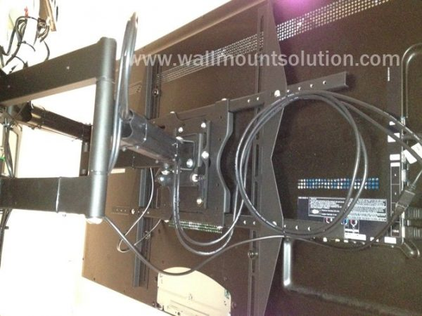 """Articulating / Full-Motion Wall Mount Bracket for 37"""" ~ 70"""" up to 200lbs max. Max VESA 800x600-252"""