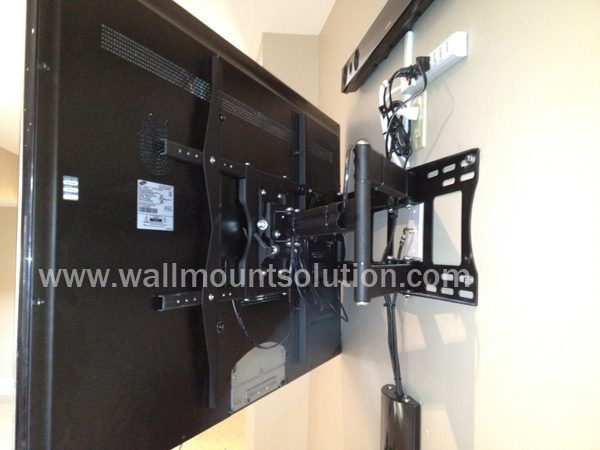 """Articulating / Full-Motion Wall Mount Bracket for 37"""" ~ 70"""" up to 200lbs max. Max VESA 800x600-255"""