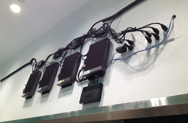 DIGITAL SIGNAGE MEDIA PLAYERS INSTALLATION