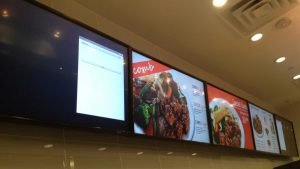 Digital signage landscape mode 5x1 pattern digital menu boards installation